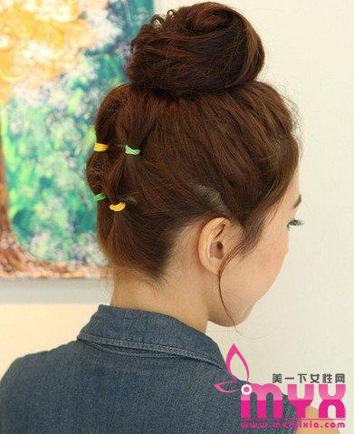 立马增高5cm 减龄5岁的韩式花苞头扎法图解