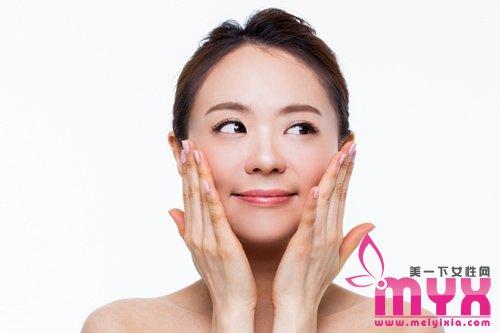 认真做好睡前皮肤护理,第二天醒来就可惊喜收获水嫩肌肤