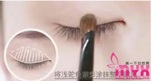 车恩尚迷倒霸道总裁华丽大变身,朴信惠的韩系气质裸妆