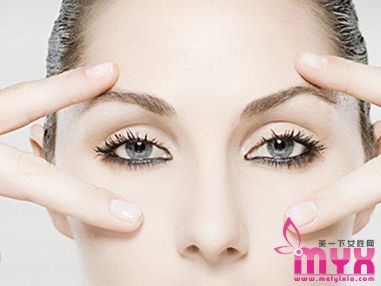 内外眼线区别大 妆容效果的改变可能就在一条眼线