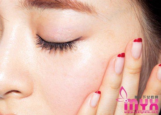 不同质地腮红的化妆技巧 如何用好腮红增加好气色