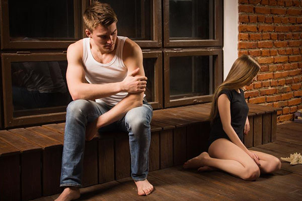 爱情中主动与被动的关系 主动与被动会有怎样的表现