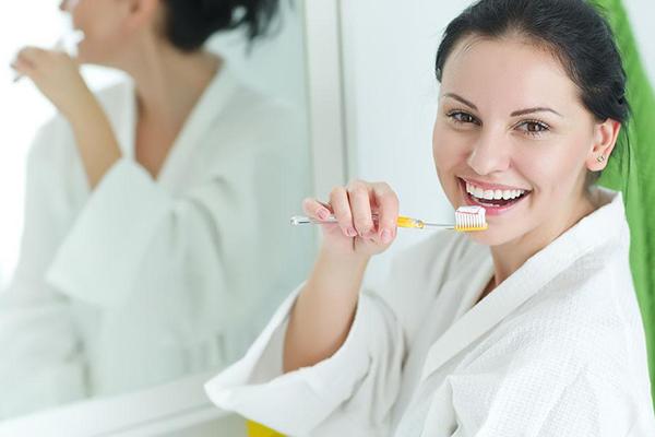 美白牙齿小妙招有哪些 美白牙齿最有效的方法
