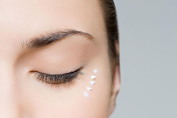 卸妆后如何护肤 卸妆后应该如何保养皮肤
