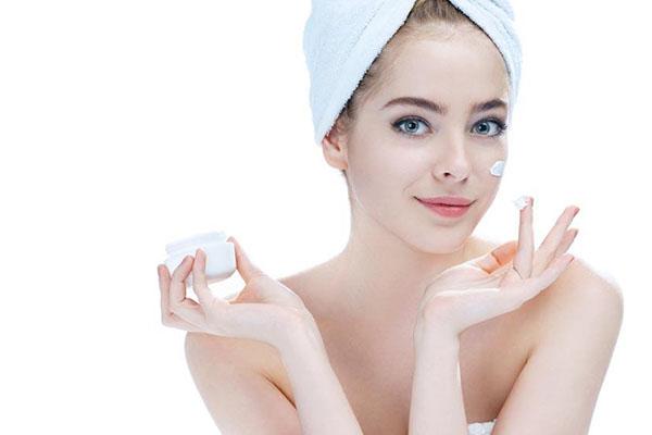 防晒霜在化妆时的使用顺序 正确的护肤步骤介绍
